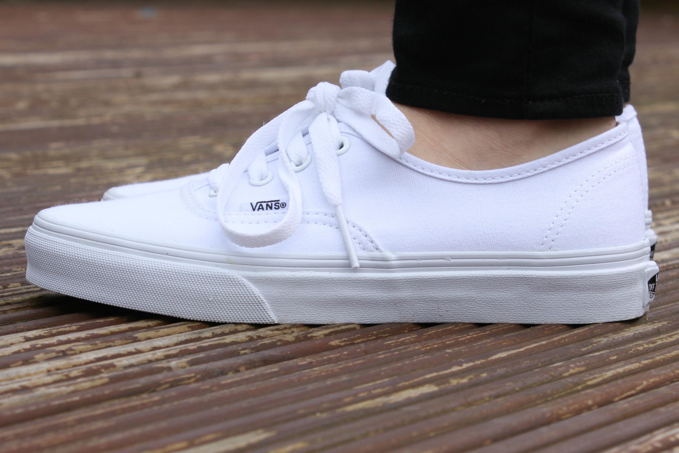 vans true white authentic
