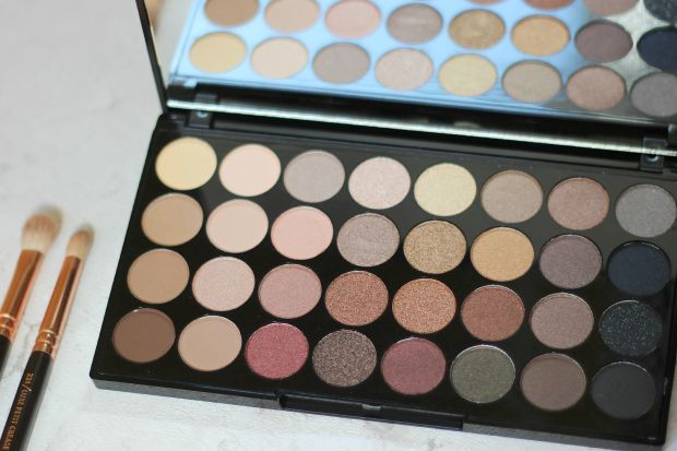 make-up-revolution-flawless-ultra-palette-1